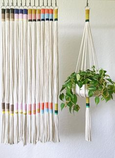 Our Slim Color-Block plant hanger is perfect to add a modern touch to any room in your home, office or creative space. This plant hanger seamless design can accommodate plant holders measuring anywhere from a 4 to 9 in diameter. Materials: Recycled Co Christmas Time Is Here, Macrame Projects, Macrame Patterns, Home And Deco, Hanging Plants, Indoor Plants, Hanging Plant Diy, Macrame Plant Hanger Diy, Indoor Plant Hangers