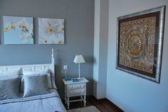 pared gris perla natural bruguer colores del mundo muebles blancos Paredes grises Bruguer colores Decoración de unas