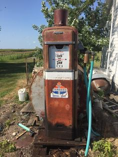 Old Gas Pumps, Vintage Gas Pumps, Standard Oil, Old Gas Stations, Abandoned, Buildings, Cars, Signs, Pictures