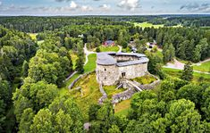 Raseborgs-slott2-Johan-Ljun Fortification, Medieval Castle, Iceland, Outdoor Living, Golf Courses, Mansions, House Styles, Places, Nature