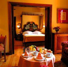 #parador de #Pontevedra ideal para #bodas #medievales #palacios #encanto #suite de novios para la #nochedebodas