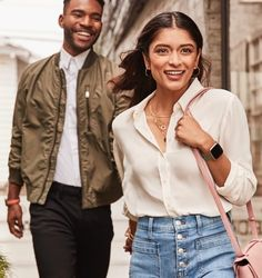 Meet Fitbit Versa 2™—a health & fitness smartwatch that elevates every moment. From Amazon Alexa Built-in to a modern, versatile design, Versa 2 creates an experience that revolves around you. Brown Wedding Hair, Pandora Stations, Fitbit App, Track Workout, Burn Calories, Smartwatch, Bomber Jacket, In This Moment, Health Fitness