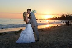 Sunset Beach Wedding - Laguna Beach - Bride and Groom Photos #beachwedding #sunsetwedding #brideandgroom #weddingpicture