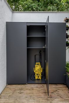 Patio Storage, Garden Storage Shed, Outdoor Storage, Garden Yard Ideas, Diy Garden Decor, Outdoor Cupboard, Laundry Room Cabinets, Garage Cupboards, Outdoor Buildings