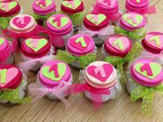 Bomboniere fatte per il  compleanno della mia piccola Greta, riciclando i vasetti degli omogeneizzati. Pink Birthday, Birthday Party Favors, Happy Birthday, First Birthdays, Shabby Chic, Sweets, Creative, Crafts, Food
