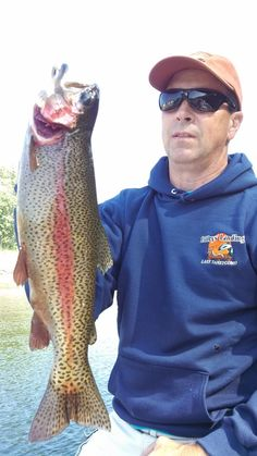 Lake Taneycomo Fly fishing Guide and Field and Stream TOC Champion John Sappington he has national fly fishing records and Guarantees you will catch fish Trout Fishing, Bass Fishing, Fishing Charters, Fishing Guide, Champion, Fishing