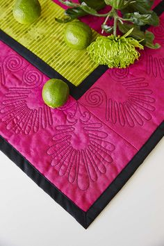 Amazing quilt design! Close-up, Endless borders with corners, home decor  - Embroidery Collection: Mega Endless Hoop #284