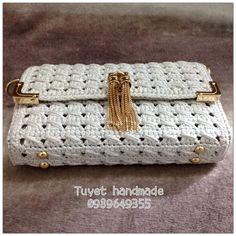 Marvelous Crochet A Shell Stitch Purse Bag Ideas. Wonderful Crochet A Shell Stitch Purse Bag Ideas. Bag Crochet, Crochet Shell Stitch, Crochet Clutch, Crochet Handbags, Crochet Purses, Crochet Dolls, Crochet Stitches, Crochet Baby, Diy Bags Purses