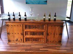 Los #vinos de Finca Seguró: tinto o blanco, con más fuerza o más afrutado... organiza una cata de #vino y ¡pruébalos! Buffet, Vineyard, Cabinet, Storage, Furniture, Home Decor, Wine Tasting, Strength, Organize