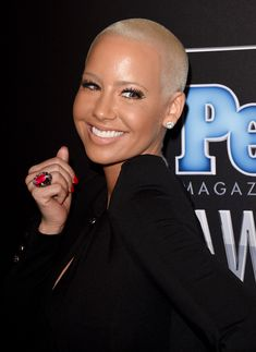 Amber Rose Photos - Model Amber Rose attends the PEOPLE Magazine Awards at The Beverly Hilton Hotel on December 2014 in Beverly Hills, California. - Arrivals at the PEOPLE Magazine Awards Amber Rose Style, Amber Rose Photo, Amber Rose Hair, People Magazine, Short Buzz Cut, Buzz Cuts, Dorothy Rose, Short Black Haircuts, Rose Foto