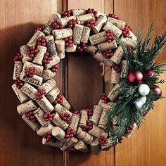Holiday wine cork wreath - I guess I'll need to add wine to the menu since I seem to be drawn to wine bottle and wine cork crafts lately, lol. Wine Craft, Wine Cork Crafts, Crafts With Corks, Holiday Wreaths, Holiday Crafts, Christmas Decorations, Christmas Wreaths For Front Door, Holiday Fun, Wine Cork Wreath