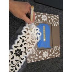 Stenciling A Picture Frame in Four Easy Steps - Stencil Stories,Stencil tips to easily paint a picture frame using the Indian Inlay Kit from Cutting Edge Stencils. Marco Diy, Cadre Photo Diy, Picture Frame Crafts, Picture Frame Decorating Ideas, Painting Picture Frames, Ideas For Frames, Decorating Frames, Cardboard Picture Frames, Photo Frame Decoration