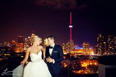 Beautiful Toronto skyline image during wedding