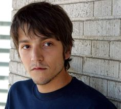 Diego Luna, can you come home with me?? ;)