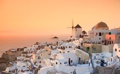 11 Photos That Prove Santorini Has the Best Sunsets