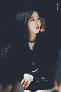 Afterglow :: Afterglow South Korean Girls, Korean Girl Groups, Gfriend Profile, Sinb Gfriend, Role Player, Cloud Dancer, G Friend, Girlfriends, Black Hair