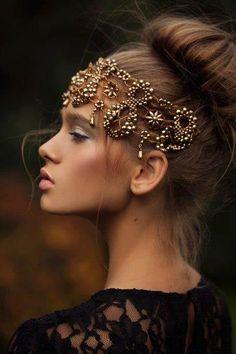Breathtaken beautiful Love the glow on the cheekbones, Contouring Accesoires