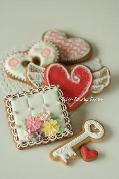 Valentine's Day Cookies by http://www.flickr.com/photos/kururu705/