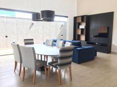 #saarinen #mesadejantar Mesa Tulipa Saarinen oval de 235 x 122cm. Conference Room, Table, Furniture, Home Decor, Tulip Table, Dinning Table, Home Furnishings, Chairs, Decoration Home