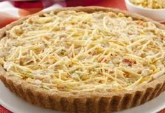 Faça torta de salpicão. É rápido, fácil e fica uma delícia