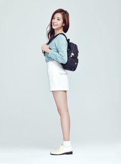 หน้าตาสวยน่ารักมากค่ะ ดูเผินๆนึกว่ามาสายนักแสดง แต่ถ้ามาสายไอดอลก็รุ่งแน่ๆ คิดว่าผู้หญิงที่หน้าตาแนวนี้ คงถูกใจคนเกาหลีมาก หน้าหวาน ยิ้มหวาน มีเสน่ห์มาก CR: htt