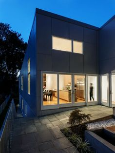 10 Degree House by Howeler   Yoon Architecture