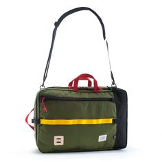 Shop Topo Designs' travel collection built for adventure. Backpacks & duffle bags kit with packing pouches and camera accessories for ultimate organization. Backpack Straps, Backpack Bags, We Carry On, One Bag, Travel Bags, Laptop Sleeves, Bag Making, Backpacks, Leather