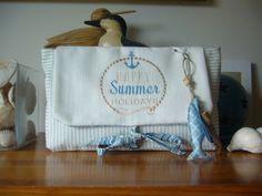Trousse de la mer n° 3 coton rayé HAPPY SUMMER HOLIDAYS brodé machine doublée coton à pois : Trousses par l-atelier-de-diane