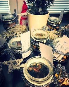 Veselé Vánoce  #darecky #odnas #provas #veselevanoce #merrychristmas #třebíč #zdravejidlo #healthyfood #instafood #krabickovadieta #mlsamezdrave #zdravejidlo #zdraverecepty #krabickyjsouzivot #krabickujeme #happynewyear #f4l #nuts #seeds #fruit #loveit #ourwork