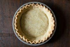 Perfect Vegan Pie Crust Recipe Desserts with all-purpose flour, coconut oil, salt, demerara sugar, ice water Coconut Oil Pie Crust, Vegan Pie Crust, Crust Recipe, Vegan Treats, Vegan Foods, Vegan Dishes, Vegan Recipes, Vegan Pumpkin Pie, Sem Lactose
