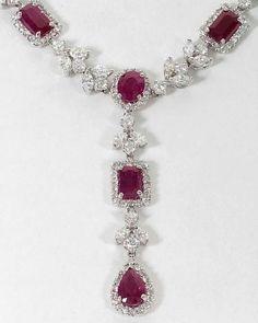 Collar de diamantes con rubíes de Burma...