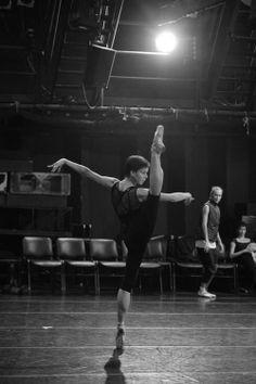 My life = BALLET! My favorite/most inspiring ballet dancers: Maria. Isadora Duncan, Shall We Dance, Lets Dance, Modern Dance, Ballet Class, Ballet Dancers, Yoga, The Dancer, Dance Movement
