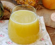 Committed detoxification diet regimen programs are temporary diet regimens. Detoxification diet plans are likewise advised for reducing weight. They function by providing your body numerous natural. Cleanse Recipes, Diet Recipes, Detoxification Diet, Easy Detox, Detox Plan, Healthy Juices, Frappe, Health Remedies, Finger Foods