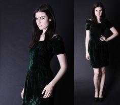 Vintage Velvet Dress   Forest Green Dress  Short by aiseirigh, $88.00