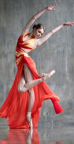 Ballet dancers - Dance plays an important role in life Page 27 of 66 – Ballet dancers Ballet Photography, Photography Poses, Art Ballet, Ballet Kids, Dance Aesthetic, Dance Poses, Yoga Dance, Yoga Poses, Dance Movement