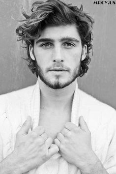 Medium Length Hairstyles Curly Hair Men – Men's Hairstyles and Beard Models Medium Length Hair Men, Mens Medium Length Hairstyles, Mens Hairstyles With Beard, Cool Hairstyles For Men, Medium Hair Cuts, Boy Hairstyles, Hair And Beard Styles, Haircuts For Men, Medium Hair Styles