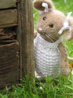 Mouse - crocheted toy. CUTE!!!
