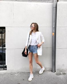 levi's 501 shorts, katiquette Dad Sneakers, Ootd, Online Fashion Stores, Platform Sneakers, Fashion Fabric, Vintage Jeans, Street Fashion, Street Styles, Denim Skirt
