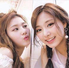 Twice - Sana and Tzuyu Kpop Girl Groups, Korean Girl Groups, Kpop Girls, Extended Play, Tzuyu And Sana, Rapper, Sana Minatozaki, Jihyo Twice, Twice Once