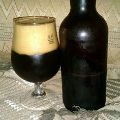 Cerveja Anarquia Imperial Stout, estilo Russian Imperial Stout, produzida por  Cervejaria Caseira, Brasil. 8.5% ABV de álcool.