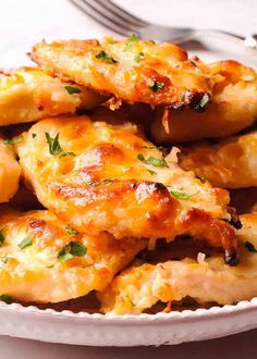 Are you looking for great, easy and healthy chicken dinner? Or, a low carb chicken recipe? Well, this greek yogurt chicken, made with a splash of mayonnaise will become a favorite weeknight dinner when you Low Carb Chicken Recipes, Easy Healthy Recipes, Keto Recipes, Easy Meals, Cooking Recipes, Dinner Recipes, Fast Recipes, Low Carb Greek Yogurt, Greek Yogurt Chicken