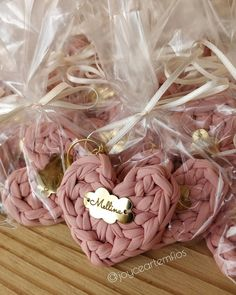 Love Crochet, Crochet Crafts, Crochet Stitches, Favors, Nerd, Sewing, Ideas, Handmade, Maternity