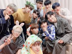 """this one too"" Quantum Leap, Fandom, V Live, Fans Cafe, Twitter Update, I Love You All, Kpop Boy, Korean Boy Bands, My Sunshine"