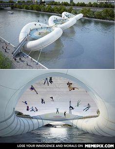 Trampoline bridge in Paris (Elise is this real???)