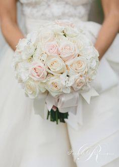 Classic perfection ~ Photography: Mango Studios, Flower Design:Rachel A. Clingen