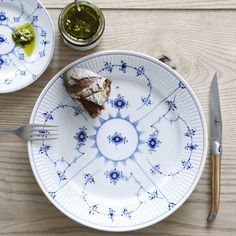 The Blue Fluted Plain Porcelain Dinnerware by Royal Copenhagen brings artistry to the table with plates, bowls and serving pieces decorated with a delicate floral pattern in a regal blue colour. Playful for casual use, elegant for formal occasions. Porcelain Dinnerware, Dinnerware Sets, Tea Cup Saucer, Tea Cups, Thermal Cup, Blue Dinner Plates, Dessert Bowls, Royal Copenhagen, Vestidos