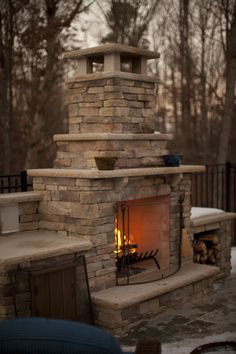Top 82 choices of outdoor fireplace designs for inspiring backyards - Houz on kinal. Outside Fireplace, Backyard Fireplace, Brick Fireplace, Fireplace Ideas, Outside Patio, Outside Living, Backyard Retreat, Backyard Patio, Outdoor Fireplace Designs