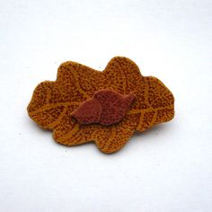 Oak Leaf Brooch in Golden Brown £6.00