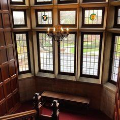 Checking the view outside before leaving #Mellon. #chathamu #chathamuniversity #shadyside #pittsburgh #gothic #hogwarts