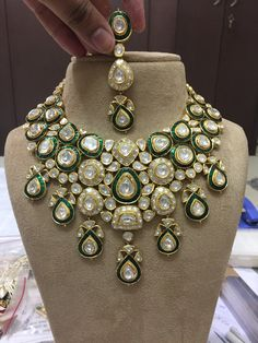 Fulfill a Wedding Tradition with Estate Bridal Jewelry Indian Jewelry Earrings, Real Gold Jewelry, Indian Jewelry Sets, Bridal Jewelry Sets, Girls Jewelry, Bridal Jewellery, Dimond Necklace, Pearl Necklace Designs, Antique Jewellery Designs